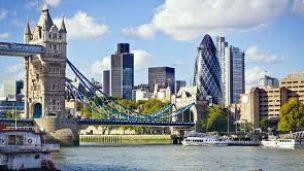 Londýn by měl navzdory brexitu zůstat předním finančním centrem
