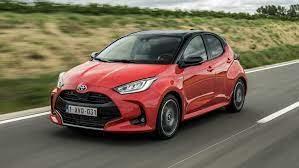 Toyota vKolíně obnovila výrobu, ostatní popojíždějí